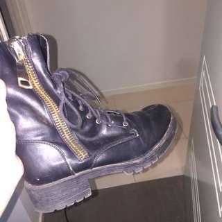 FREE POSTAGE black heeled combat boots