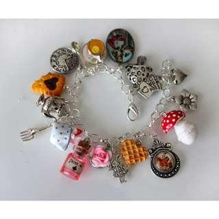 Alice in Wonderland Bracelet (088)