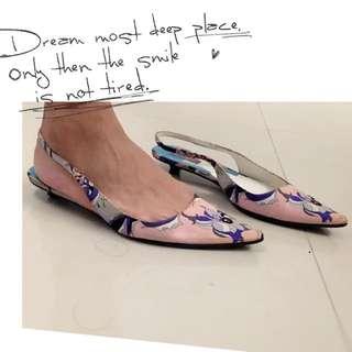 二手。 正貨 義大利製 Emilio Pucci 緞面經典印花 尖頭涼鞋