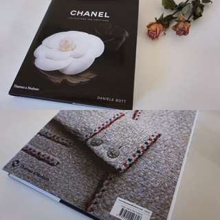 Chanel Fashion Book - Chanel: Collections & Creations