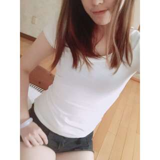緊身短版白色素T恤