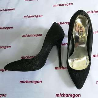 Sz 39 Syrup by PRP Glitter Black Evening Pumps