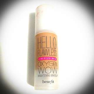 """Benefit Hello Flawless Oxygen Wow Brightening Makeup Oil-Free SPF 25 In """"I'm All The Rage Beige"""" Shade"""