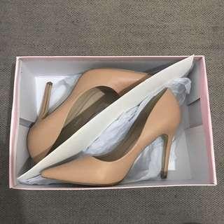 Verali Heels (PRICE DROP)