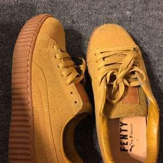 Used Tan Puma Kicks