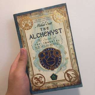 The Alchemyst: The Secrets of the Immortal Nicholas Flamel by Michael Scott