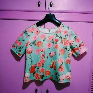 Kashieca Green Top With Rose 🌹 Print