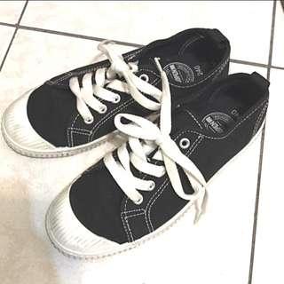 shoopen 黑色帆布鞋 37/24號