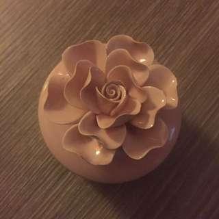 陶瓷玫瑰小飾品收納盒