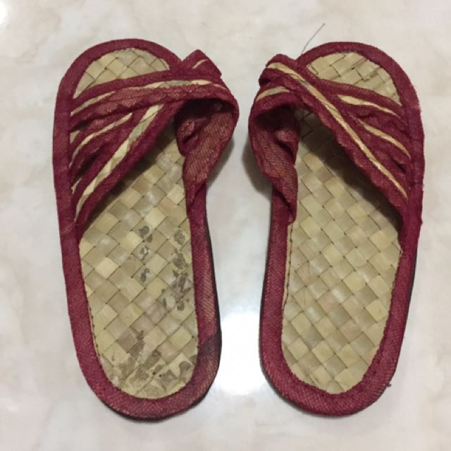 Abaca slippers (7 inches long)