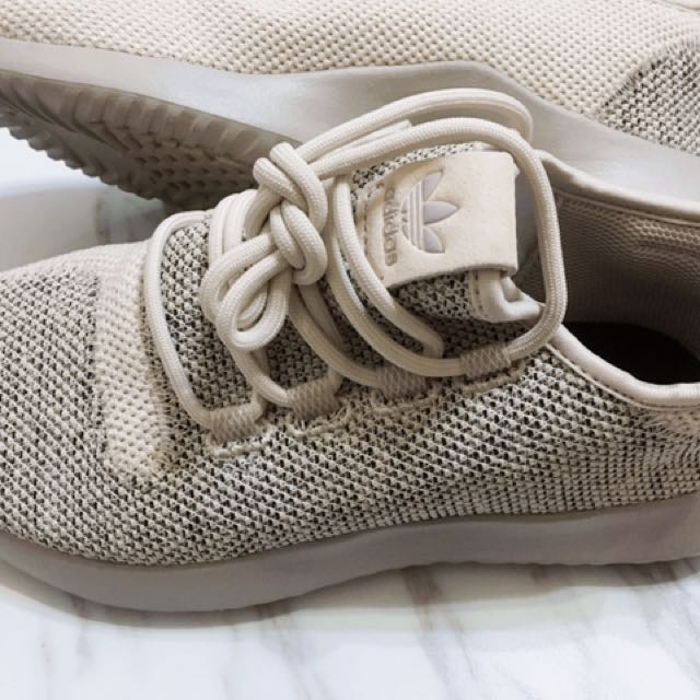 Adidas tubular shadow knit 沙色