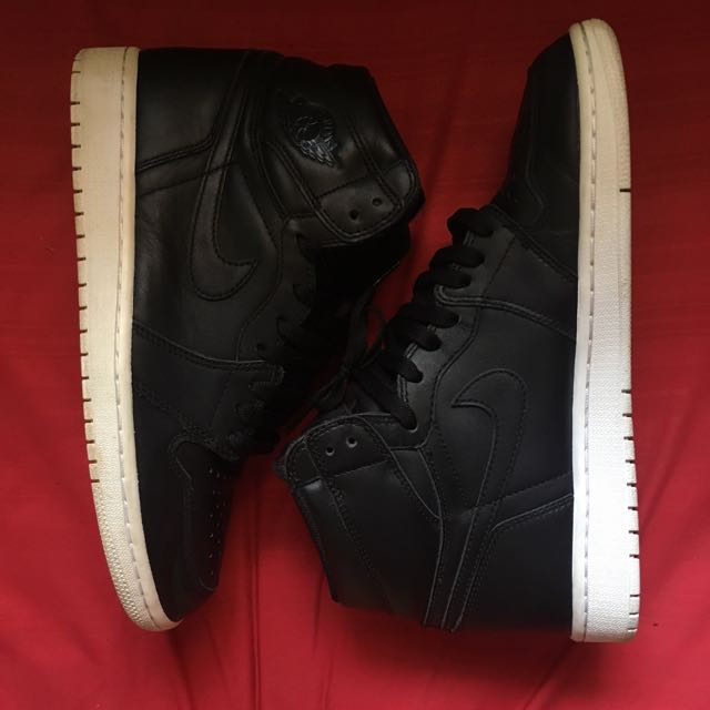 6c19cc96a5e Air Jordan 1 Retro High OG Cyber Monday, Men's Fashion, Footwear on  Carousell