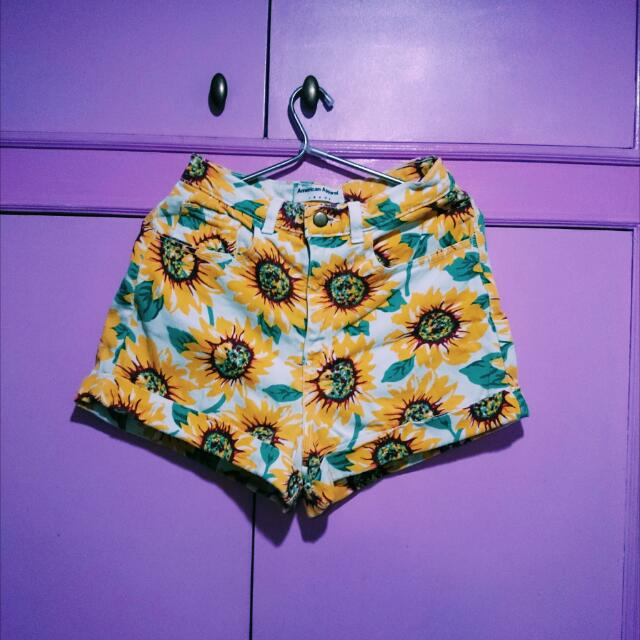 American Apparel Sunflower 🌻 Shorts