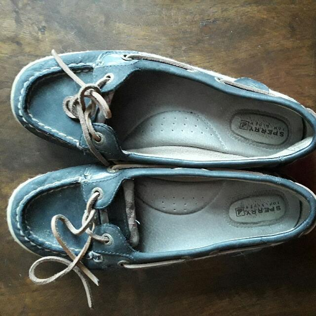 REPRICED!!!  authentic sperry topsider
