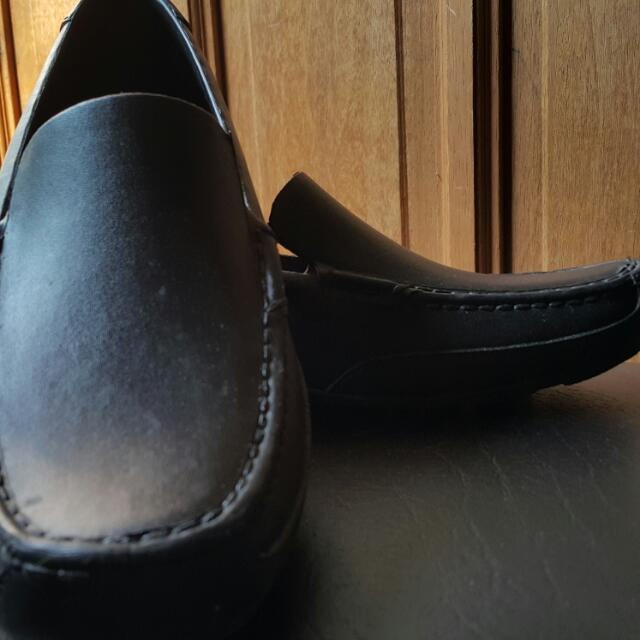 Black Easysoft Shoes