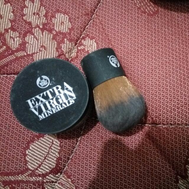 Body Shop Extra Virgin Mineral Bedak Tabur Dan Brush Body Shop
