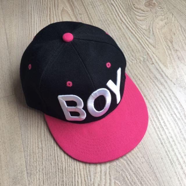 Boy字母棒球帽