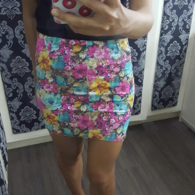 Cute Floral Fit Skirt