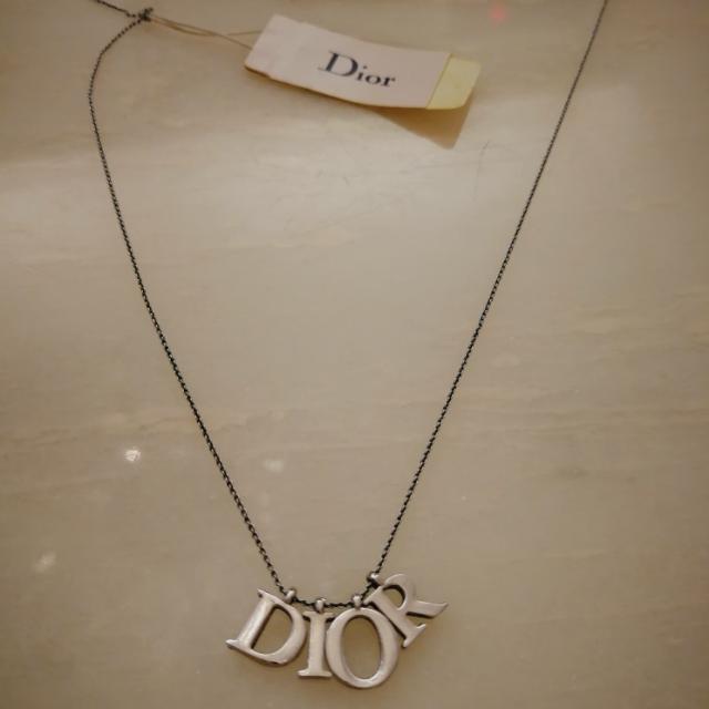 Dior 頸練