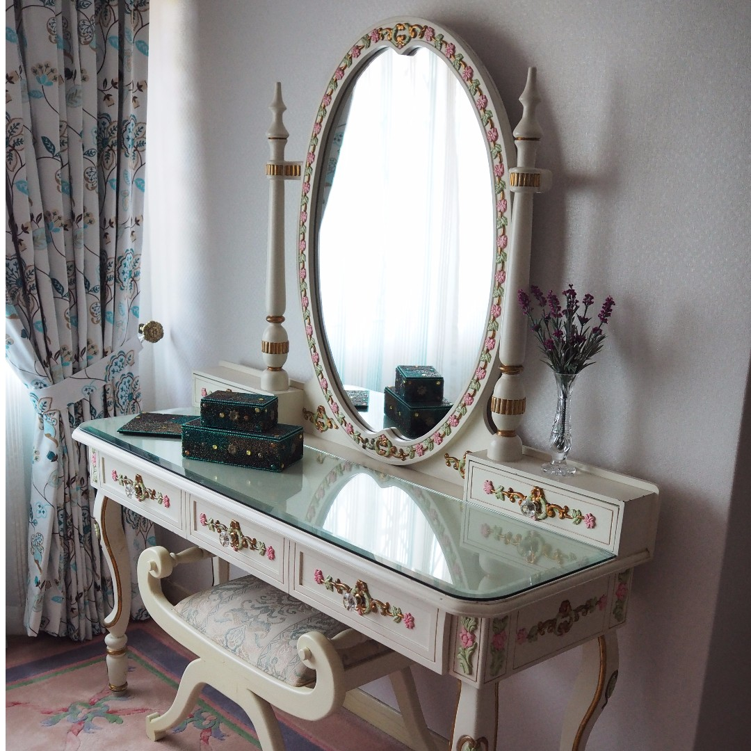 A French classical table for a boudoir.