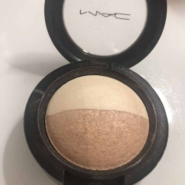 MAC Mineralize eyeshadow Duo This And That