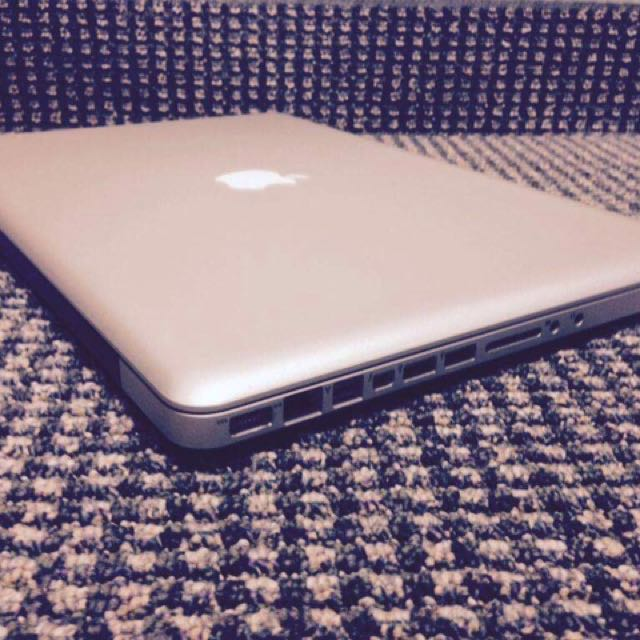 macbook pro intel core i7 2011 15inch