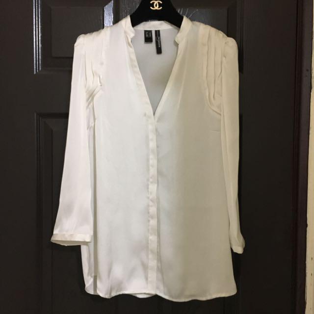 🇪🇸MANGO 珍珠白絲質低胸襯衫