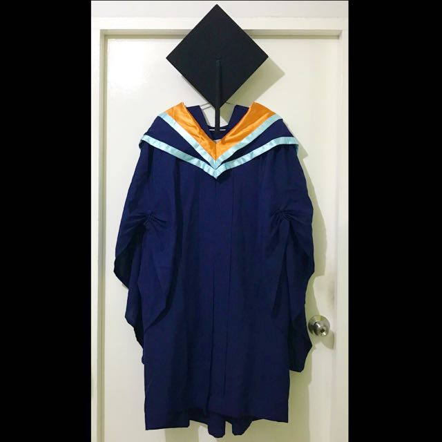 RENT: NTU/NBS Bachelor Of Business Convocation Gown on Carousell