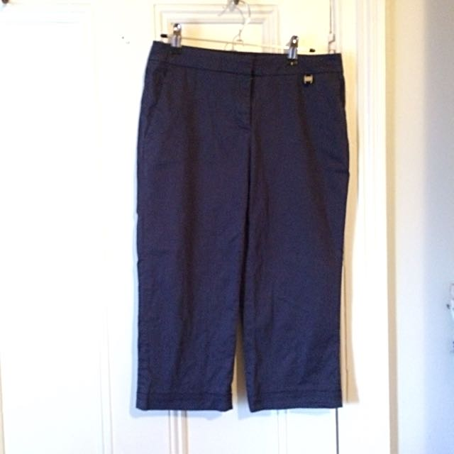 Salvatore Ferragamo 3/4 Pants