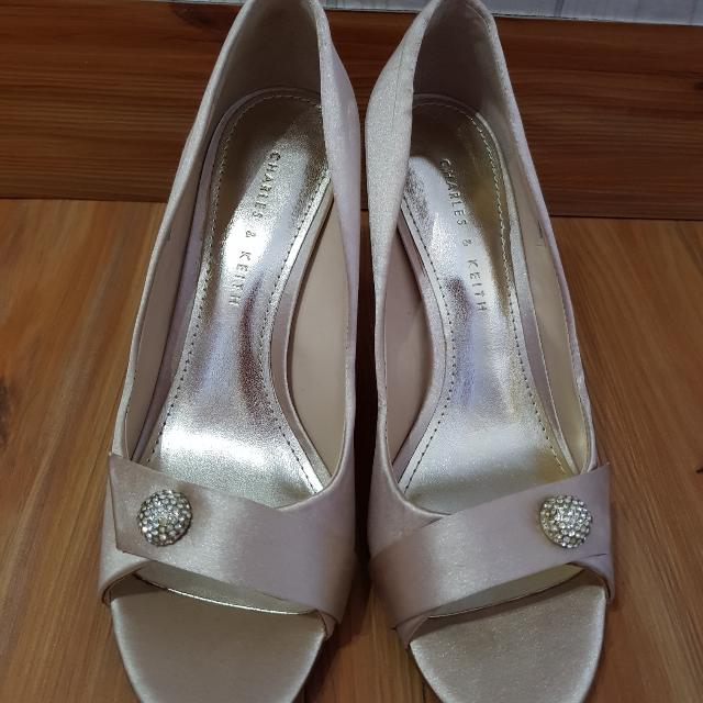 Sepatu Charles & Keith (Champagne Color)