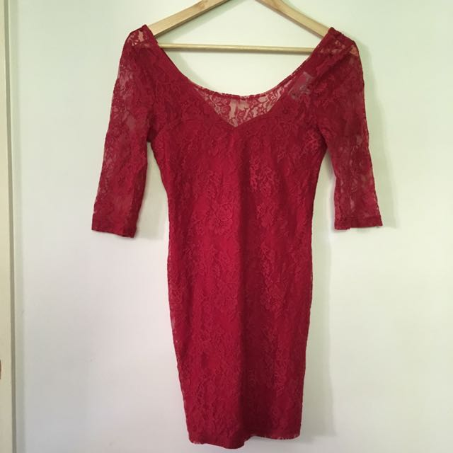 T BY BETTINA LIANO red Lace Dress Size 8
