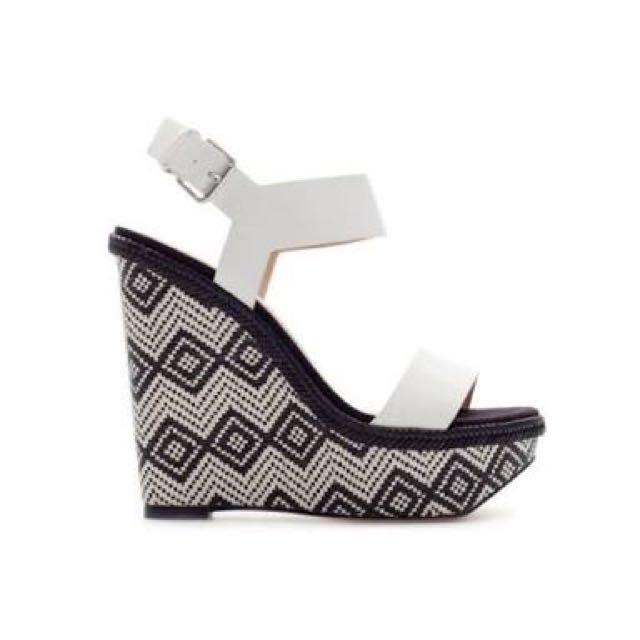 Zara Size 41 Black And White Aztec Wedges
