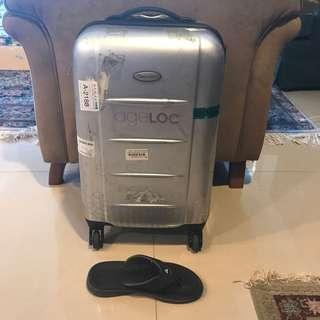 登機行李箱