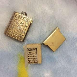 Liontin Al-Quran