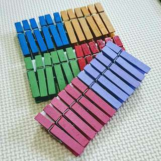 Colorful Wooden Clips - 12 pcs
