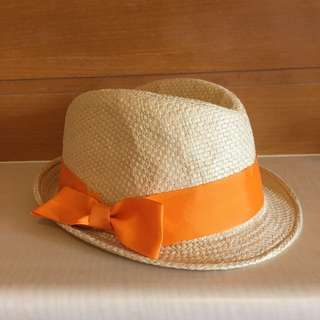 橘色緞帶草帽