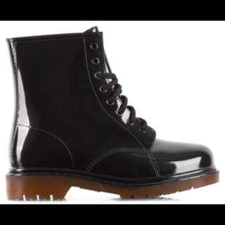 Gummie Boots