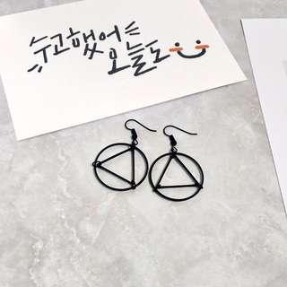 [孬飾品]簡約藝術線條工業風三角形非主流耳環