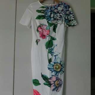 Dress Fits M