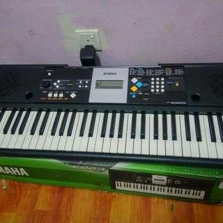Yamaha keyboard Piano PSR E223