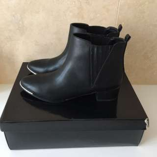 Black Ankle Gusset Boot