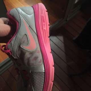 Nike Runners Nike Trainers Pink Raining Running Shoes