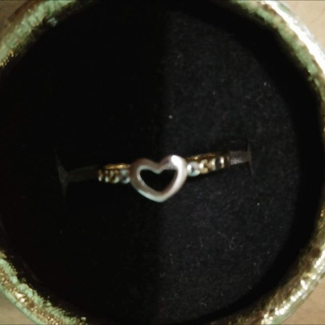 18k Authentic Gold Ring (Heart Shaped)