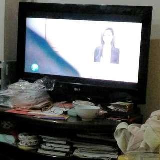 """32 """" LCD Tv"""