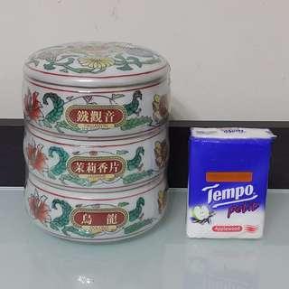 茶葉連精美陶瓷容器套裝 (含鐵觀音, 茉莉香片, 烏龍茶葉)