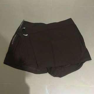 H&M 軍綠色短褲 尺碼 US:6 含運費