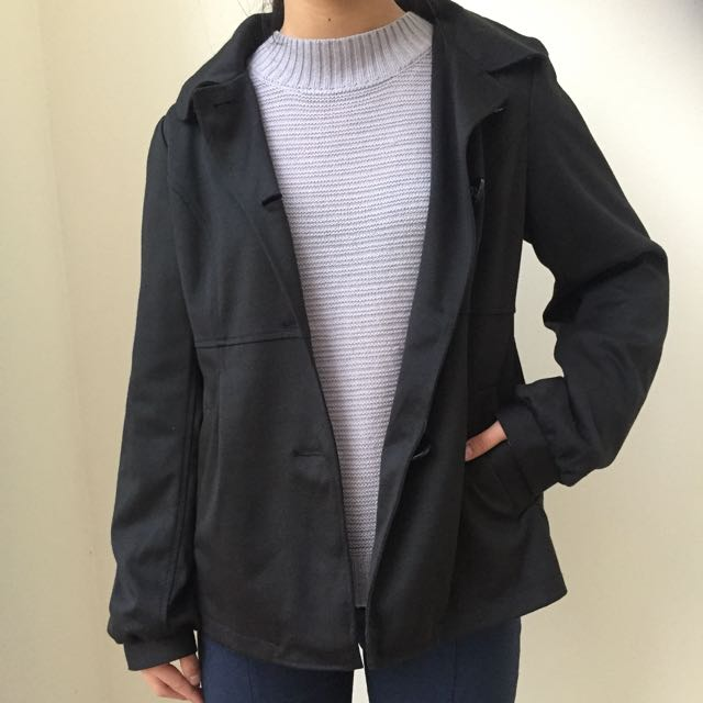 Black Jacket With Buttons And Pleats