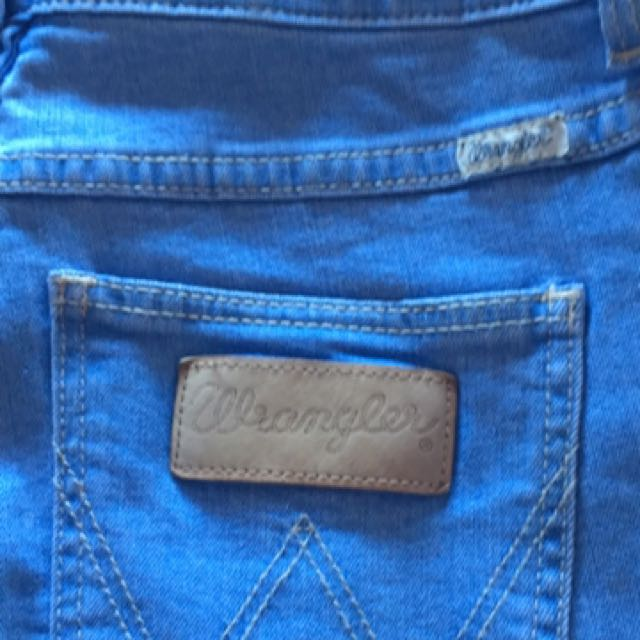 BNWT Wrangler 'Pins' Jeans Size 10