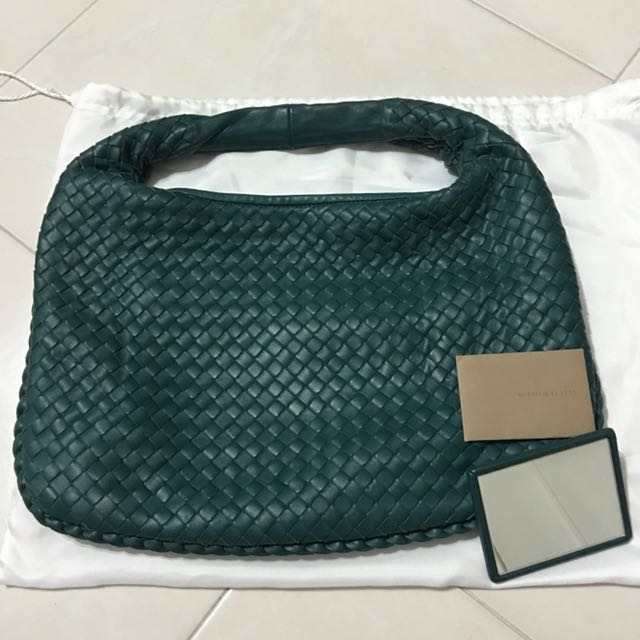 a1053aa7a027 Bottega Veneta Medium Bag in Brighton Intrecciato Nappa