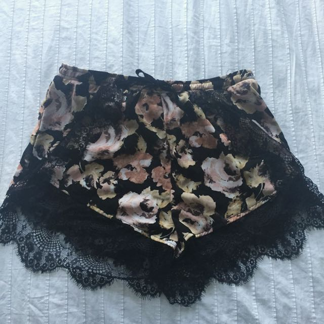 Floral Lacy Shorts By Urban Outfitters